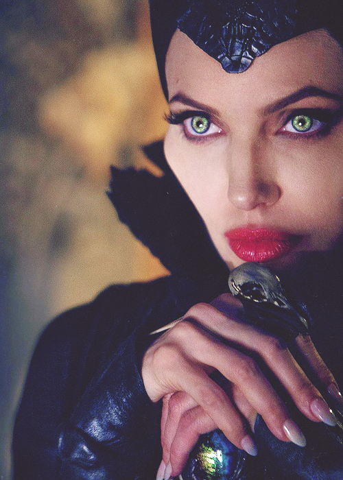 jolie-maleficent-meet-the-other-fairies-of-maleficent